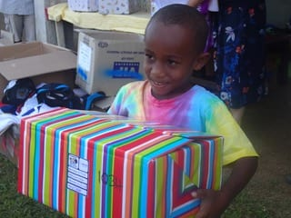 The Vanuatu Library Project – Bruce & Lyn Whittle